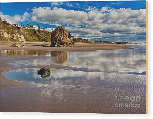 Pismo Beach At Low Tide Wood Print