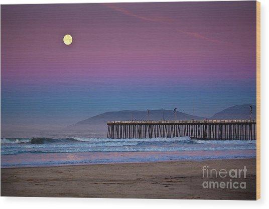 Pismo Beach Moonset At Sunrise Wood Print