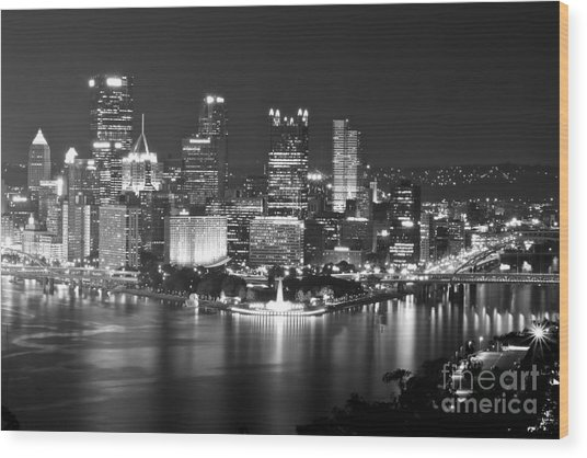 Pittsburgh - Black And White Wood Print