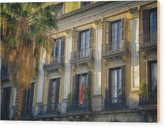 Placa Reial Balconies Wood Print