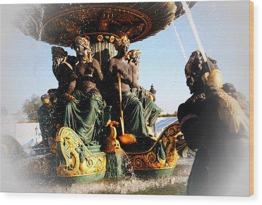 Place De La Concorde Fountain Wood Print by Jacqueline M Lewis