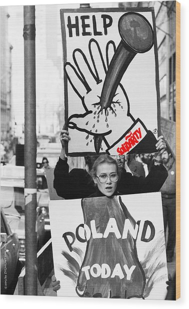 Poland Help Wood Print by Zygmunt Malinowski