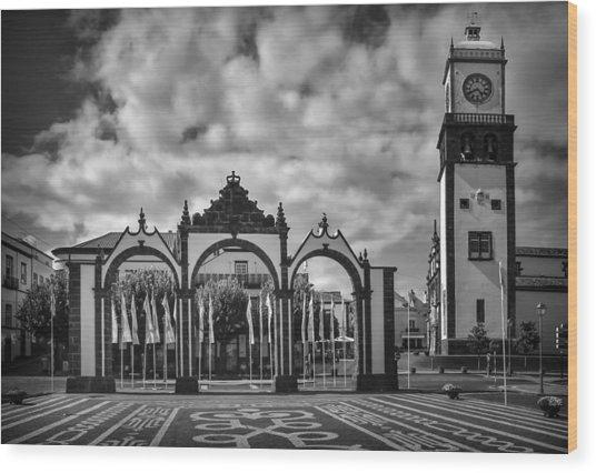 Ponta Delgada Gates Wood Print