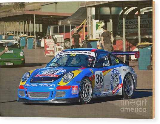 Porsche In The Pits Wood Print