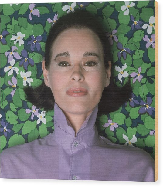 Portrait Of Gloria Vanderbilt Wood Print