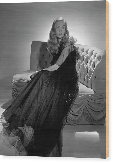 Portrait Of Veronica Lake Wood Print by John Rawlings