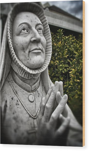 Praying Nun Statue Wood Print