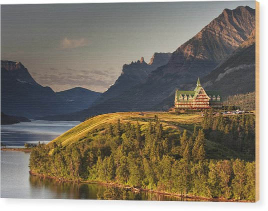 Prince Of Wales Sunrise Wood Print