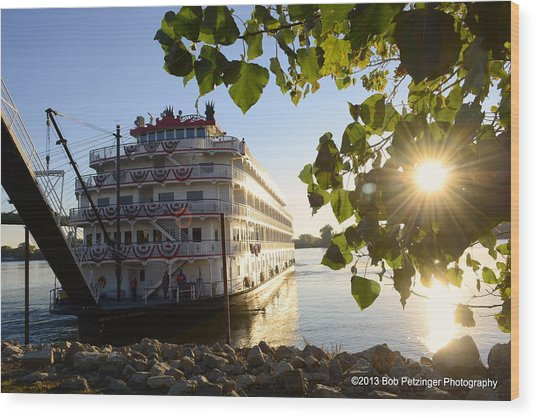Queen Of The Mississippi Wood Print by Bob Petzinger