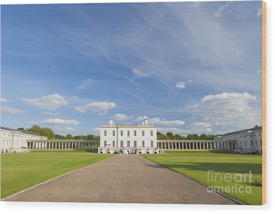 Queen's House In Greenwich Wood Print by Roberto Morgenthaler