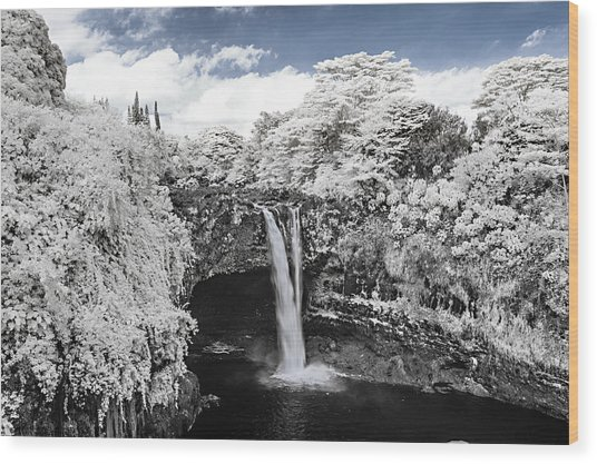 Rainbow Falls In Infrared 2 Wood Print
