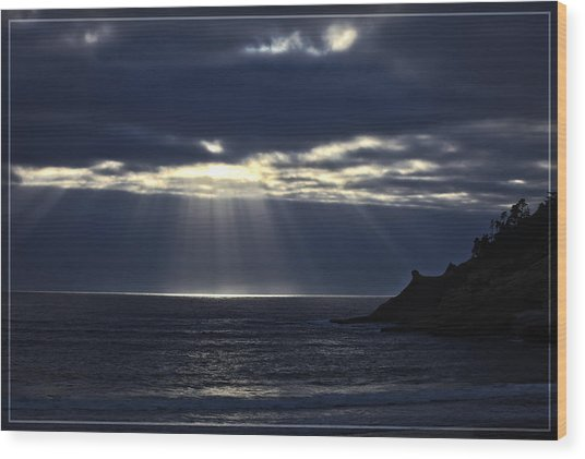 Rays Of Hope At Cape Kiwanda Oregon Wood Print