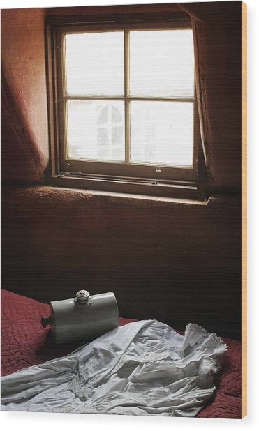 Ready For Bed Wood Print by Stephen Norris