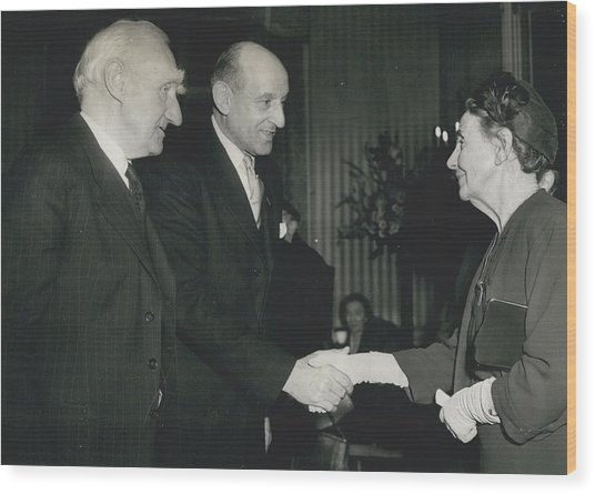 Reception To Mark Award Of Nobel Prize Wood Print by Retro Images Archive