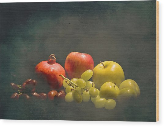 Red And Green Fruit Wood Print by Levin Rodriguez