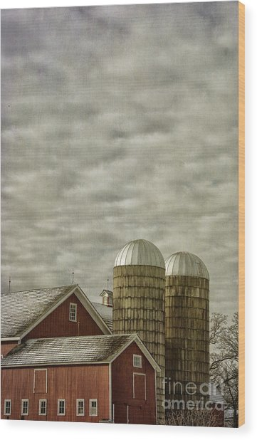 Red Barn With Two Silos Wood Print