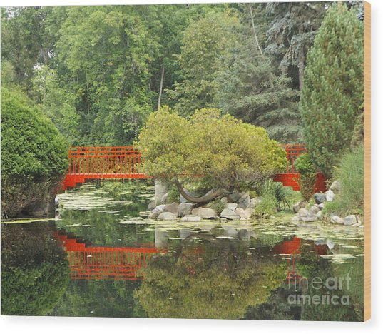Red Bridge Reflection In A Pond Wood Print