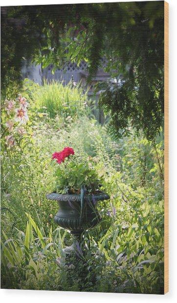 Red Geranium Wood Print