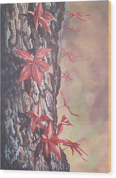 Red Ivy Wood Print