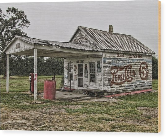 Red Lyon Country Store Wood Print