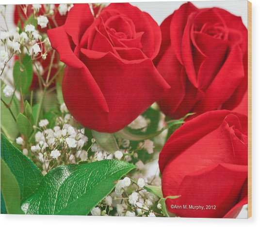 Red Roses With Baby's Breath Wood Print