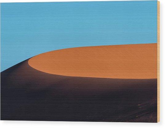 Red Sand Dune And Blue Sky, Namibia Wood Print by Paranyu Pithayarungsarit
