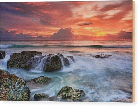 Red Sky At Dawn Wood Print