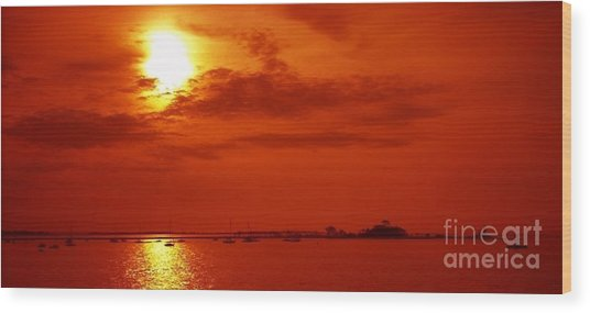 Red Star Above The Sea Wood Print by Jay Martin