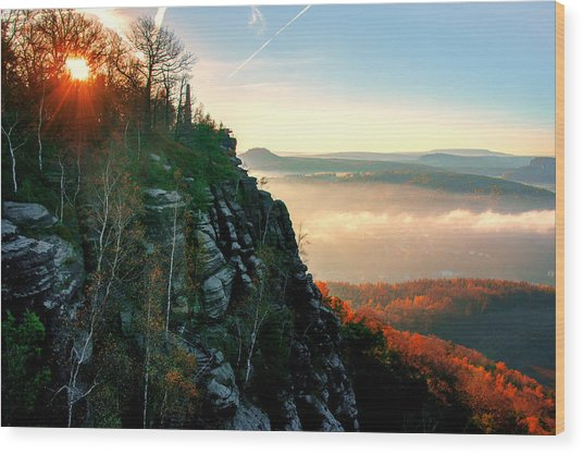 Red Sun Rays On The Lilienstein Wood Print