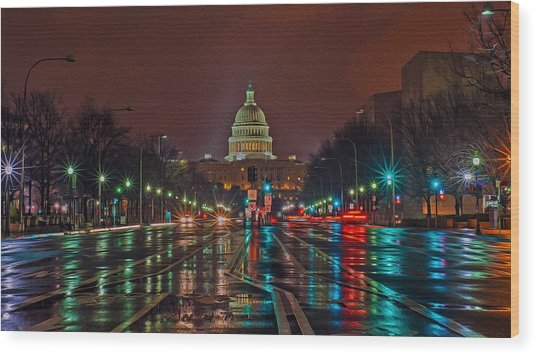 Reflecting On D.c. Wood Print