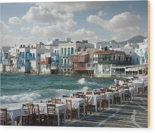 Restaurant Tables On The Mykonos Wood Print by Ed Freeman