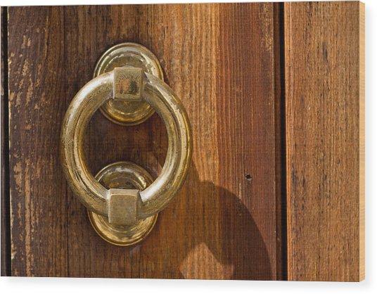 Ring On The Door Wood Print