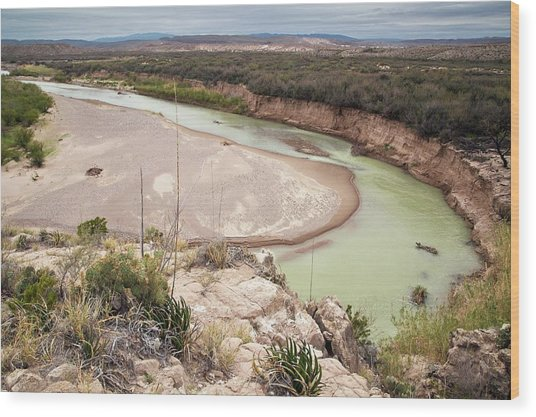 Rio Grande In Boquillas Canyon Wood Print by Bob Gibbons/science Photo Library