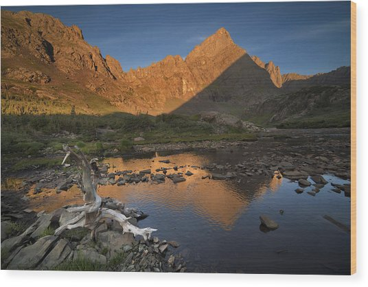 Rippled Reflections Of Crestone Needle Wood Print by Mike Berenson