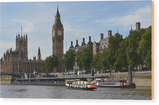 River Thames View Wood Print