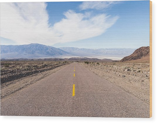 Road To Death Valley Wood Print