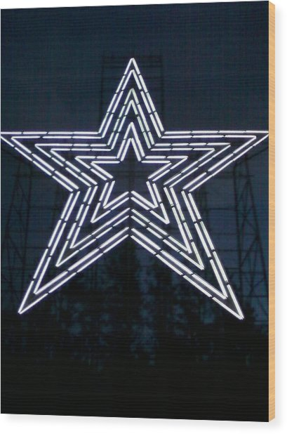 Roanoke Star By Angelia Clay Wood Print