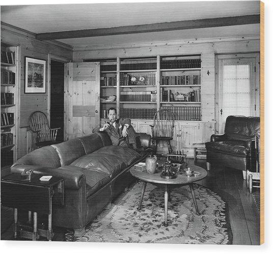 Robert Montgomery In His Living Room Wood Print