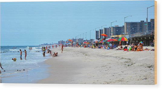 Rockaway Beach And Boardwalk Summer 2012 Wood Print