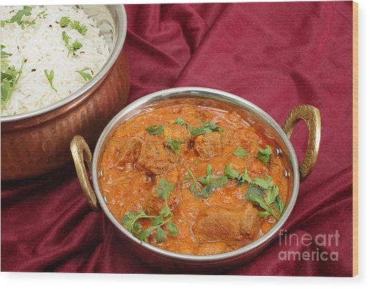 Rogan Josh In Kadai Bowl Wood Print by Paul Cowan