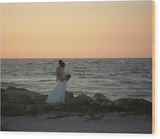 Romance In Captiva Wood Print