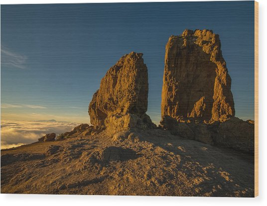 Roque Nublo Farther And Sun Monoliths At Sunset Wood Print by Ben Spencer