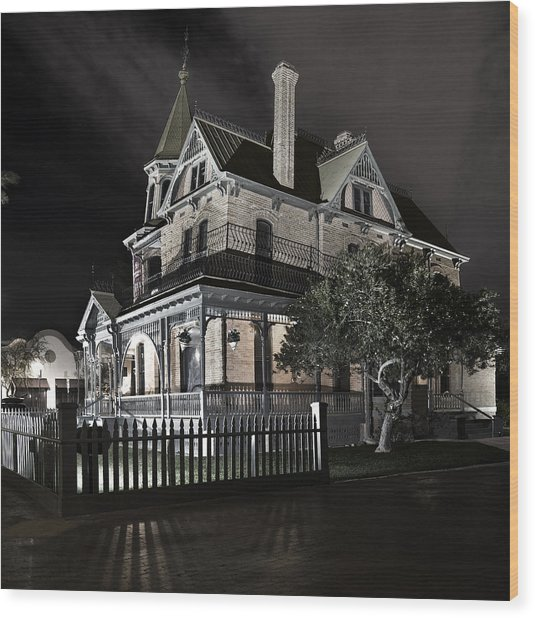 Rosson House Haunted Black And White Wood Print