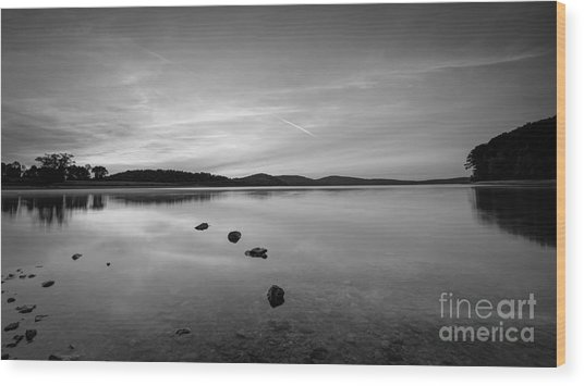 Round Valley At Dawn Bw Wood Print
