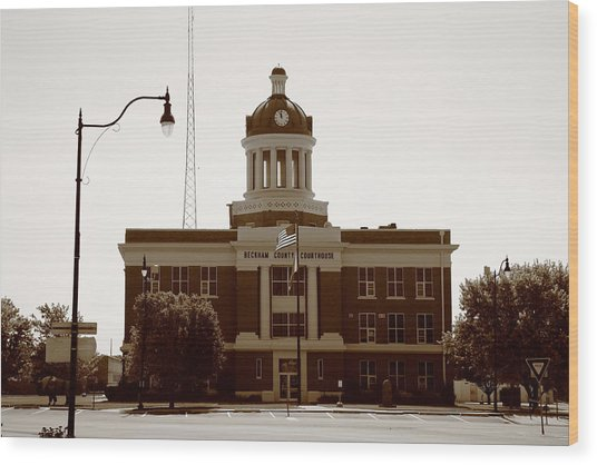 Route 66 - Beckham County Courthouse Wood Print