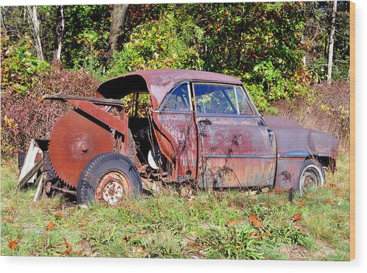 Rusted Old Car Wood Print