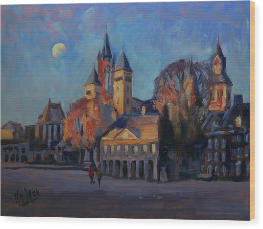 Saint Servaas Basilica In The Morning Wood Print
