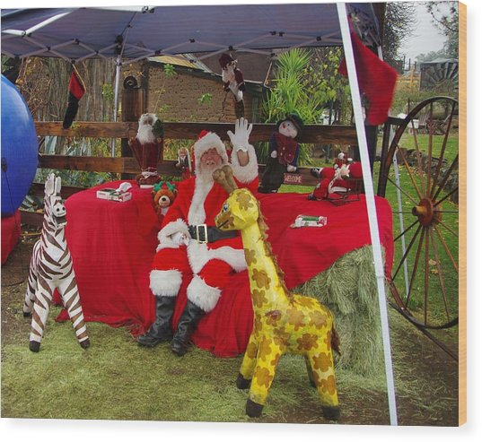 Santa Clausewith The Animals Wood Print