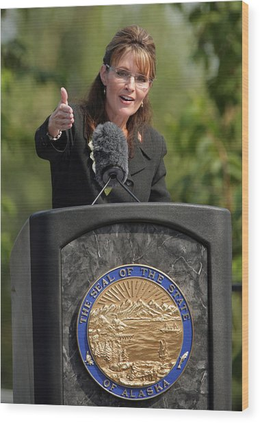 Sarah Palin Hands Over Power To Alaska's Lt. Gov. Sean Parnell Wood Print by Eric Engman