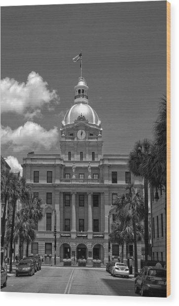 Savannah City Hall In Black And White Wood Print